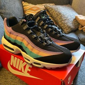 "AirMax 95 ""Have a nice day"" size 11 men's"